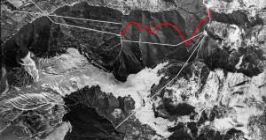 Lo sviluppo delle utilizzazioni nel Bosco della Martese nei primi anni del XX secolo. In rosso il percorso della decauville; le linee bianche indicano le teleferiche